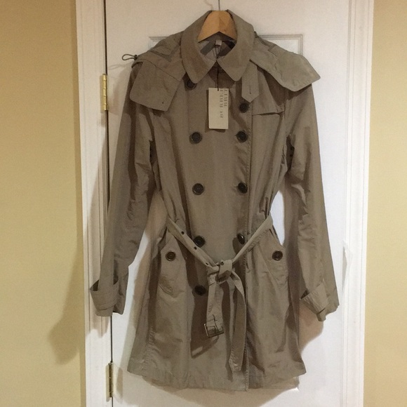 NWT Authentic Burberry classic trench coat
